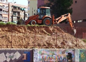El Ayuntamiento desmantela el huerto del colegio Zuloaga
