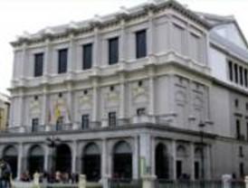Más de 3.000 personas visitan el Teatro Real en la jornada de puertas abiertas