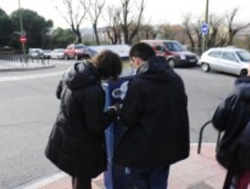 Los madrileños 'dejan' los garajes y aparcan en zona verde