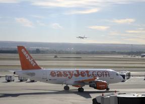 Las compañías aéreas achacan al AVE y la demanda interna la crisis de Barajas