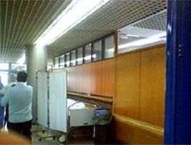 El Clínico estrena Urgencias con denuncias de que se esconde a los enfermos en los pasillos