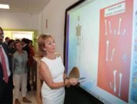 Aguirre anima a los jóvenes a oponerse al vandalismo