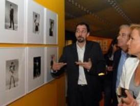 Una exposición recorre 40 años de fotografía de estudio