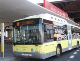 La línea de autobús al aeropuerto lleva cada día a 2.400 viajeros