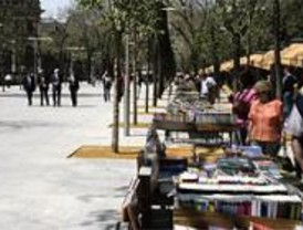 Los libreros de la Cuesta de Moyano volvieron a su lugar de origen