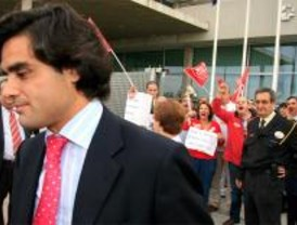 González pide a los sindicatos que se limiten
