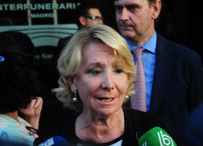 Esperanza Aguirre en el sepelio de Miguel Boyer