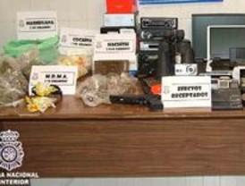 Cuatro detenidos por tráfico de drogas