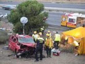 Un espectacular accidente en la M-40 deja cuatro heridos