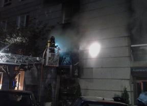 Aparatoso incendio en un restaurante de Núñez de Balboa