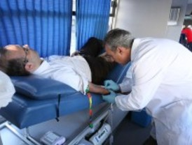 Los hospitales madrileños necesitan con urgencia sangre de los grupos 0- y AB-