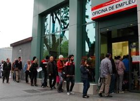 El paro baja en España pero sube en Madrid