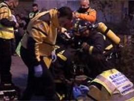 Una mujer resulta herida grave en un incendio en Carabanchel