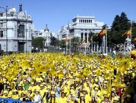 La 'marea amarilla' llena Madrid de ilusión