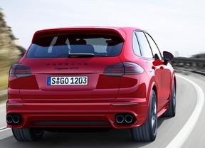 Porsche Cayenne y Cayenne GTS, polos opuestos con mismo ADN