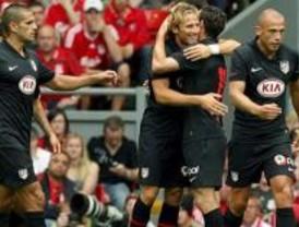 El Atlético convence en Anfield