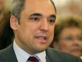Simancas promete un decálogo que normalice la colaboración entre los gobiernos Central y Regional