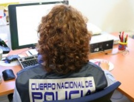 Detenido por estafar a 11 personas en un mes a través de Internet