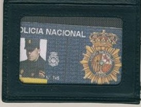 Detenidos por simular ser policías