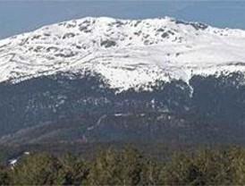 Unas 200 personas piden la protección de la Sierra de Guadarrama