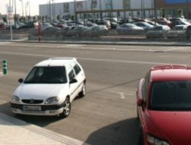 La Policía local de Parla inicia una campaña para retirar vehículos en desuso de las calles