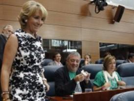 La oposición exige a Aguirre que reconduzca 'el inicio de curso más conflictivo de la Historia'