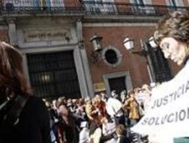 Colas de hasta 17 horas en el Registro Civil por la huelga de funcionarios