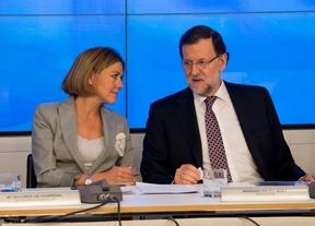 Rajoy mantiene a Cospedal y sitúa a Casado como la nueva imagen del PP