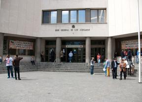La Comunidad se plantea pedir la derogación de la ley de tasas