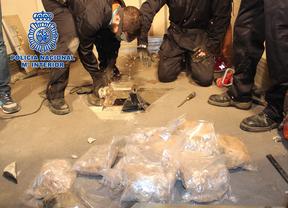 La Policía intercepta 100 kilos de 'cristal' oculto en un camión