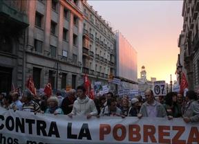 Cientos de madrileños marchan por la erradicación de la pobreza