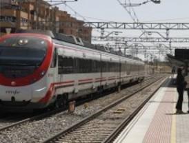 Los trenes de Cercanías ajustan su horario