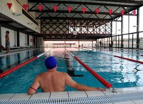 El Ayuntamiento pone sanitarios en las piscinas de verano a costa de las cubiertas