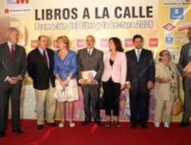 Aguirre inaugura un nuevo módulo de Bibliometro en la estación de Chamartín