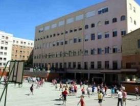 'Tijeretazo' en Educación: UGT denuncia la reducción de 3.200 docentes