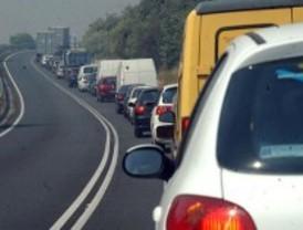 Las carreteras 'despertaron' con retenciones