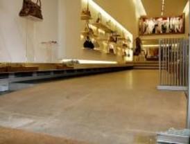 Intentan robar la tienda Salvatore Ferragamo, un día después del asalto a Gucci