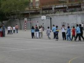 Cerca de 581.000 alumnos de Infantil y Primaria inician este lunes el curso