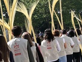 Cientos de fieles asisten a la bendición del Domingo de Ramos