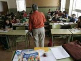 Gabilondo descarta poner tarimas en los centros escolares, como propuso Aguirre