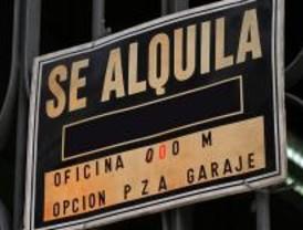 Más de 300 madrileños ya han recibido la ayuda al alquiler