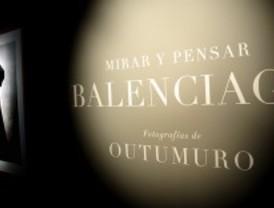 Balenciaga visto por Outumuro