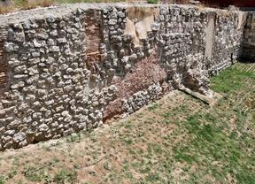 Restos de la muralla árabe en la Cuesta de la Vega