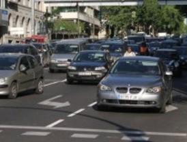 La hora punta complica el tráfico