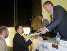'Muévete verde' premia a los taxistas madrileños y Seur