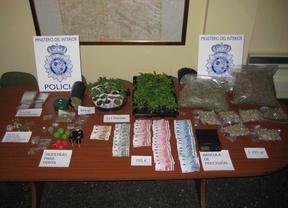 Desmantelan un punto de venta de marihuana en Ciudad Lineal