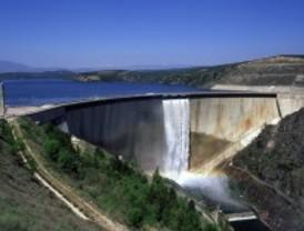 El pantano del Atazar comienza a desembalsar agua