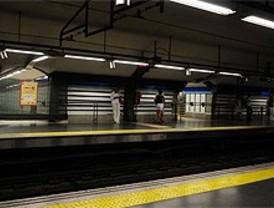 Una caída de suministro eléctrico detiene seis líneas de Metro