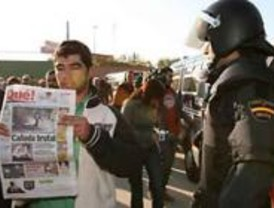 Unas 500 personas recorren Cañada Real para expresar que tiene vida y futuro