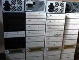 Desmantelados dos laboratorios piratas de CD y DVD